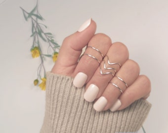 Midi Rings/ Silver Knuckle Ring Set/ Stacking Rings/ Gift for Her/  Set of 7, 3 Chevrons and 4 Bands/ Simple Rings