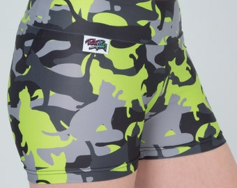 Shorts with cat camouflage print