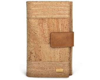 A Natural Cork Woman Wallet
