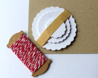 30 Gift pendant white round with ribbon in set Kraft paper