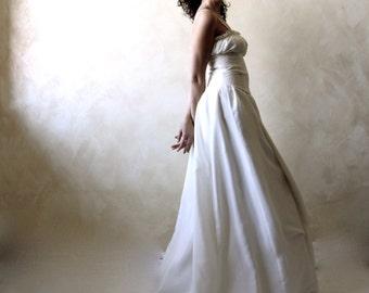 Wedding Dress, Medieval wedding Dress, Corset wedding dress, Alternative wedding dress, Handfasting dress, peasant wedding dress, silk dress