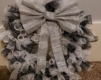 Gray, white, black wreath