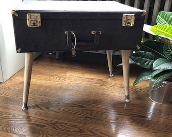 Vintage suitcase upcycled table with lock and keys - End Table - Nightstand