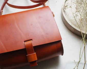 Small cross body leather bag, tan purse, miniature satchel, small messenger bag, tan cross body pouch, Hand sewn bag.  Made in UK