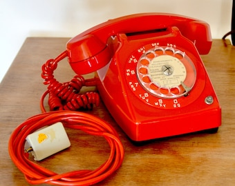 red vintage telephone rotary dial phone, 1973, functional, french vintage