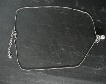 Silver necklace with butterfly and Pearl with a length of 43cm