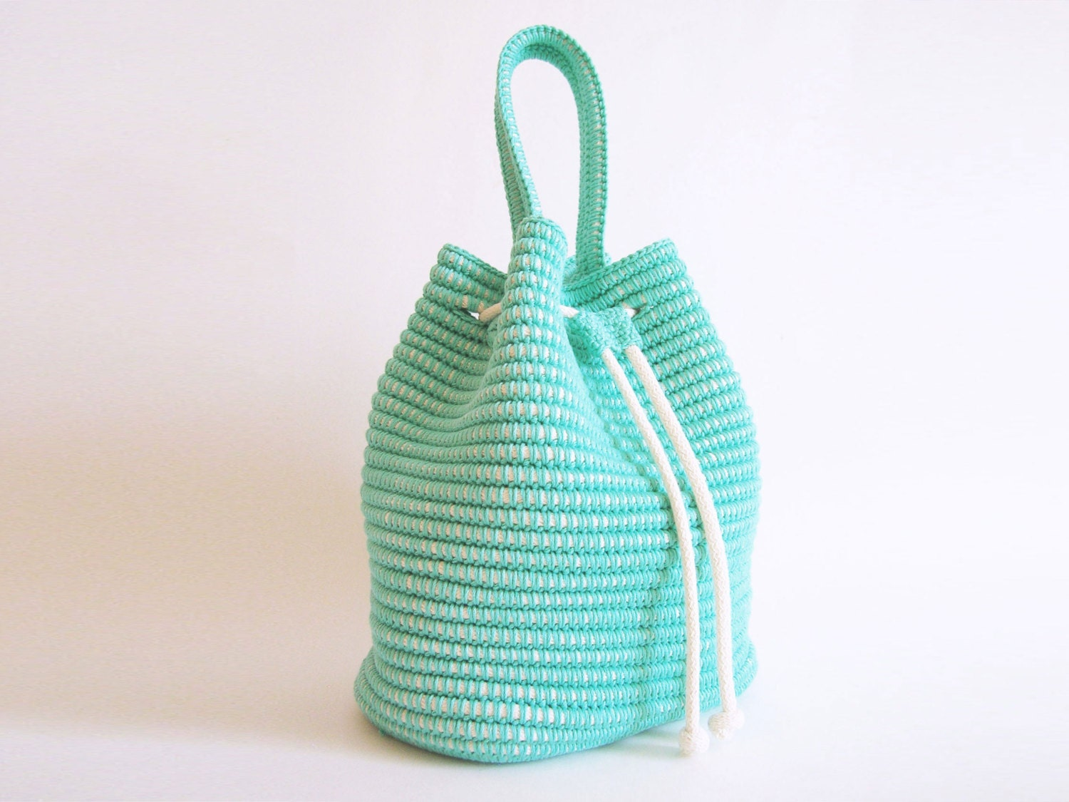 Crochet pattern for a drawstring bag. Practice tapestry