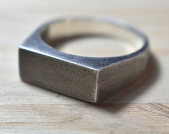 Mens Antique Silver Wedding Ring. Antique Silver Ring for men. Mens Antique Rings. Geometric Mens Silver Ring. Minimalist Mens Silver Ring