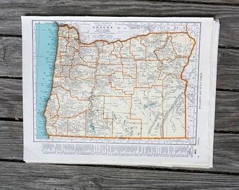 Oregon Map / Vintage Map Print / Map Wall Art / 1939 Antique Map of Oregon / Travel Decor Atlas Map / Kitchen Decor / State Map Oregon