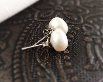 Small 6mm Freshwater Pearl Stud Earrings