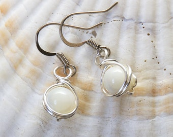Mother of Pearl, Wife Gift, Office Wear, Gift for Grandma, Jewelry Gift, White Earrings, Earrings Casual, Shell Earrings, Jewelry Casual