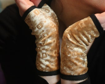 Cuff glove Golden velvet Jersey. Retro Chic mitten Velvet