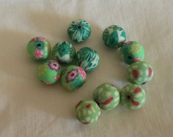 Set of 12 polymer clay beads / 10 mm / Green color