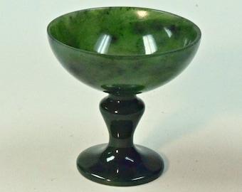 VINTAGE JADE Siberian NEPHRITE Gem Carving Green Cup 46 grams C2