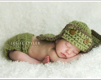 Aviator Hat and Diaper cover New Baby Photo prop in Greens / Photography Flyer Pilot Baby Hat / GIFT Newborns Photo shoot / Pilot Bomber Hat