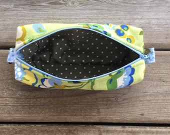 Spring flowers large zippered box pouch