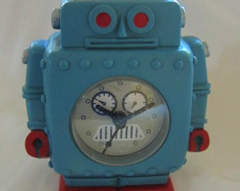 Robot Clock - Retro Sci Fi mini Clock