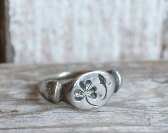 Sterling Silver Rustic Flower Ring, Wood Sorrel, Botanical Jewelry, Stacking Ring, 14k Gold, Engagement Ring, Wife Gift, St Patricks Day