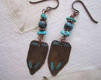 Boho Southwest Look Earrings, Copper and Turquoise, Arizona Kingman Turquoise, Patina copper bead, Stamped Copper, Niobium Ear wires
