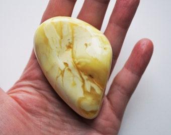 32g.Natural Baltic White Amber Stone
