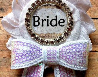 Bride To Be Pin, Bride Pin, Bridal Party Pins, Bride Badge, Bridal Shower Pins, Wedding Party Pins, Bride To Be Badge, Bridal Brooches, Bows