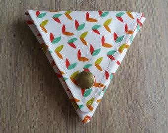 Triangle snap closure wallet