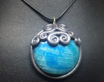 Fractured Frozen Glass Polymer Clay Gemstone Pendent Necklace with Snowflake Accented Bezel, Silver and Blue
