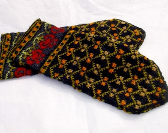 hand knitted wool mittens, knitted latvian mittens, knitted finely wool mittens, speckled mittens, hand knit black mittens, ethnic mittens