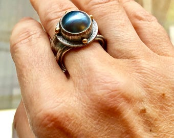 Steel blue mabe pearl ring, sterling silver and 22k gold.