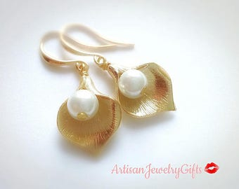 Small Gold Calla Lily Earrings Pearl Earrings Mother's Day Gift For Her Bridesmaid Earrings Bridal Earrings Gold Lily Earrings