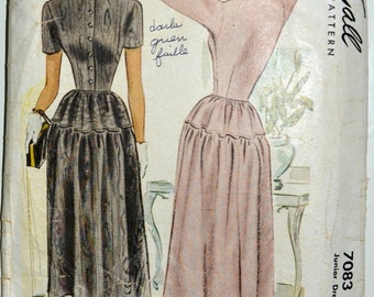 1940s McCall's Vintage Sewing Pattern 7083, Size 9; Junior Dress