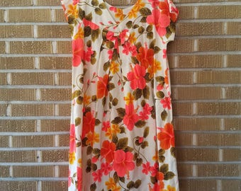 1960's Hilo Hattie Hawaiian dress