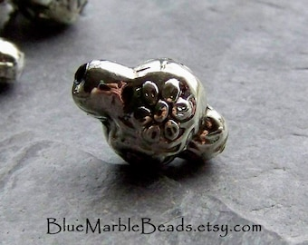 Flower Beads, Etched Beads, Vintage Beads, Lucite Bead, Silver Bead, Lantern Beads, Boho Beads, Tribal Beads, Antique Silver Beads, 12 Beads
