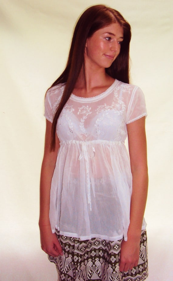 White Gauzy Babydoll Top EMBROIDERED small, med