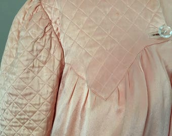 Pretty Peach Pink silk Satin 1930s quilted bed jacket