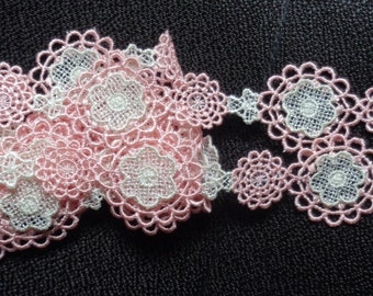 1 1/8 inch wide peach/white lace trim price for 1 yard