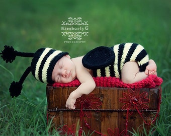 Buzzy Bumble Baby Set Knitting Pattern - All Baby Sizes Newborn through 6-12 Months Included - Instant Digital Download