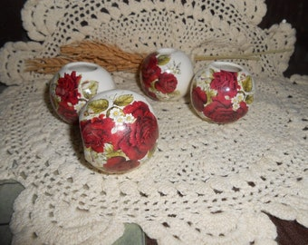 4 Lg Glazed Ceramic Macrame Beads-Round Shaped-Handcrafted-Red Rose Bouquet Decal-LD13