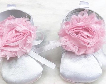 baby shoes with flowers!!! Sizes from newborn to 12 months!