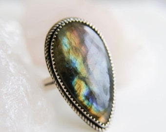 Labradorite Ring, Statement Ring, Sterling Silver Labradorite Ring, Wedding Ring, OOAK Labradorite Ring, Boho Jewelry, Hancrafted Ring