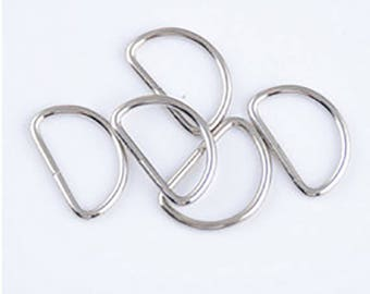 10 large rings of 43 mm x 25mm