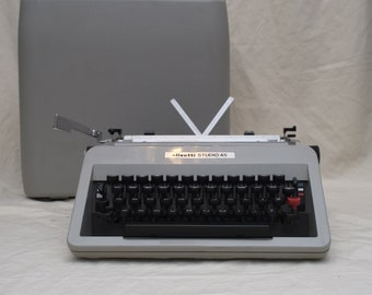 Olivetti STUDIO 45 portable typewriter with case - fully working