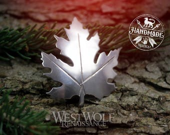Maple Leaf Brooch or Pin - Made of White Bronze -- Elven Leaves/Fantasy/Celtic/Elf/Forest/Nature/Silver/Cloak Pin
