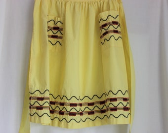 Vintage Yellow Half Apron from Neat N Tidy
