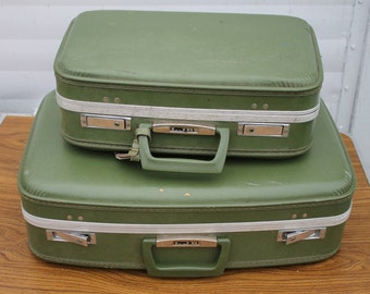 Set of Two Avocado Green Vintage Suitcases from the 1960s | Suitcase Shelf | Suitcase Pet Bed | Suitcase Table | Retro Suitcase Night Stand