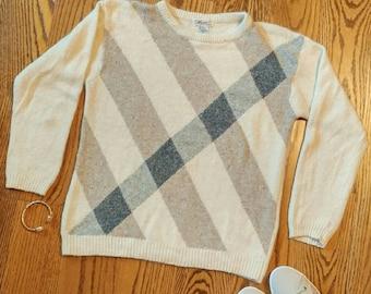 Angora-Silk Sweater SML Sport / preppy indie quirky classic 1980s fuzzy true vintage white cream plaid argyle winter spring soft warm