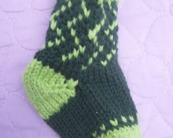 Green zig zag mini stocking, Handknit mini stocking, Green Xmas stocking, Green mini stocking, Stocking tree ornament, Mini gift bag
