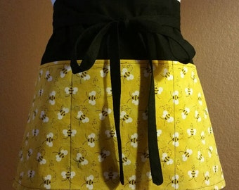 Teacher Apron, Vendor Apron, Craft Apron, Server Apron, Three Pocket Half Apron