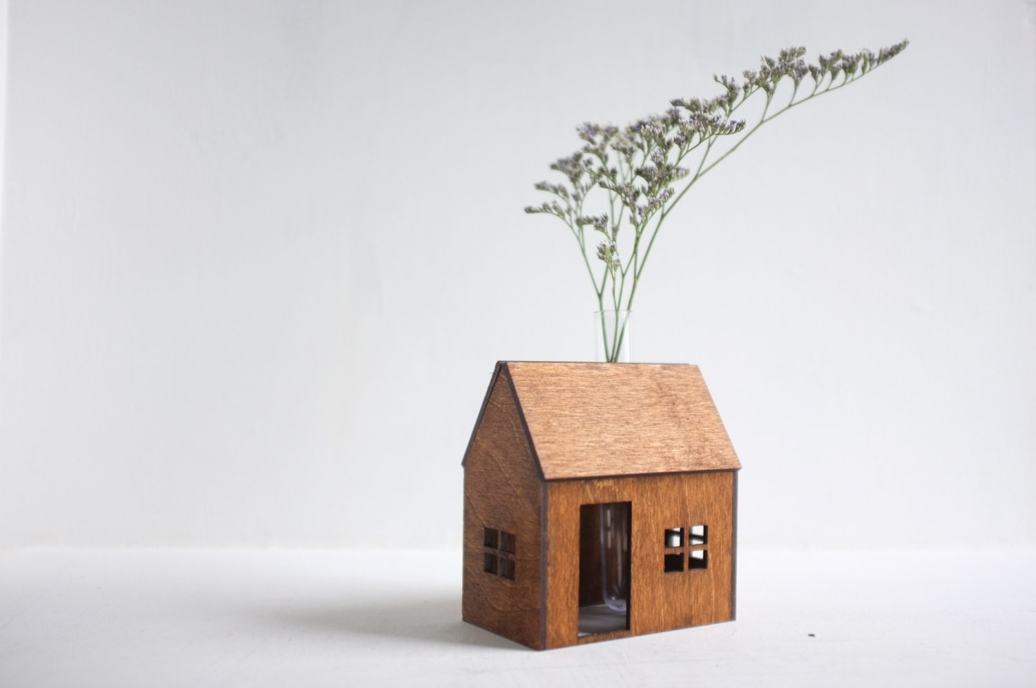 Small wooden house pictures