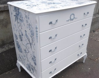 SOLD***Louis XVI Style Vintage Chest of Five Drawers